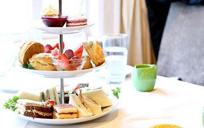 Borrel/High Tea Sailtocht